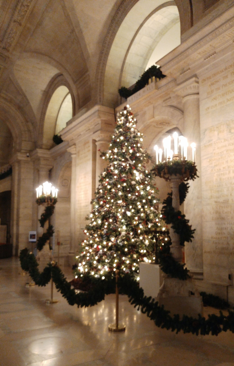 Holiday tree in the main lobby at NYPL SASB.